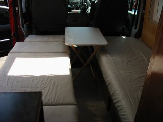 single beds with table